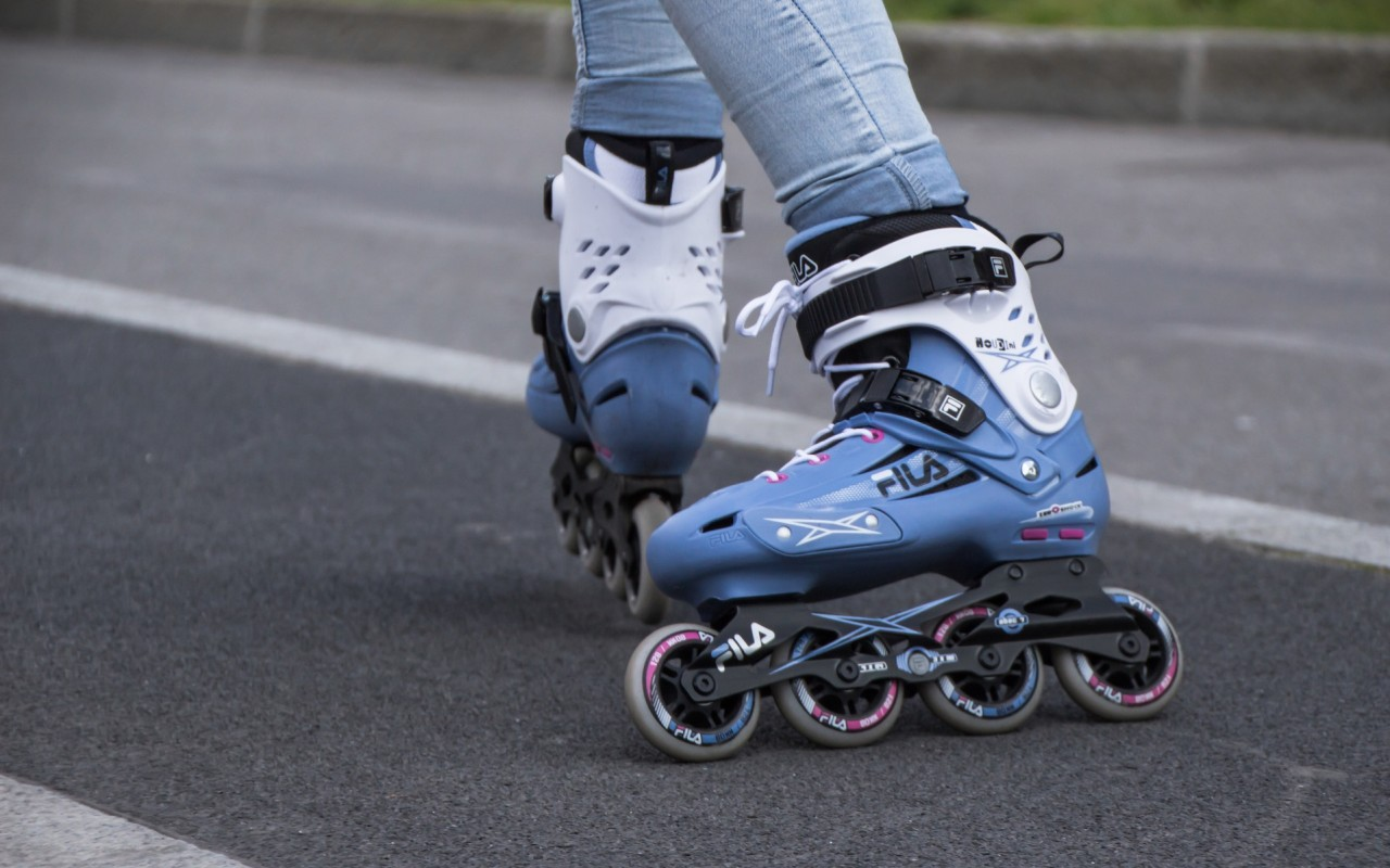roller skates that fit over shoes