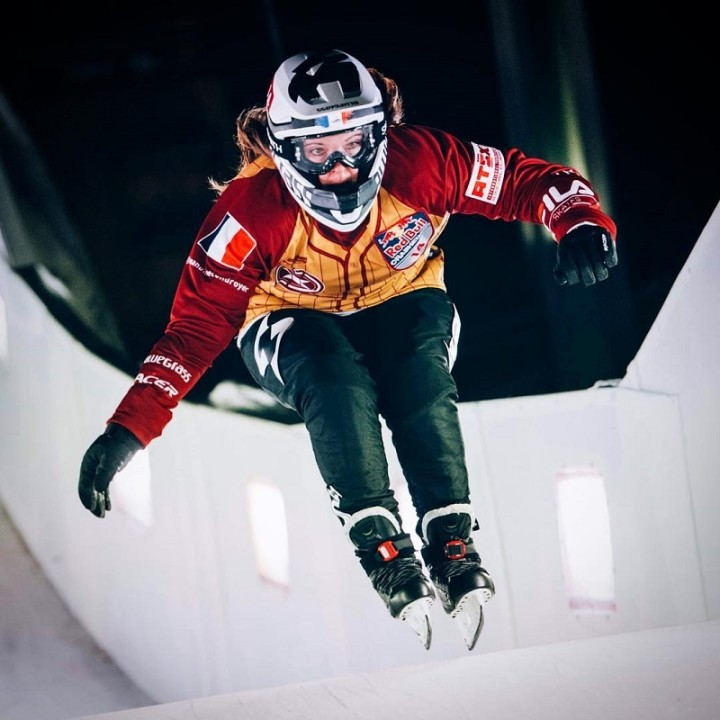 AMANDINE CONDROYER RED BULL CRASH ICE | Once again, the French skater shines